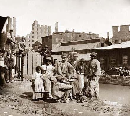 freed-slaves-in-richmond.jpg