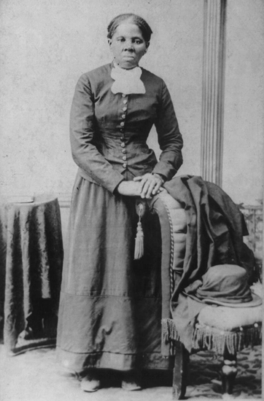 harriet tumbman Harriet tubman, secret agent: how daring slaves and free blacks spied for the union during the civil war (history (us)) dec 23, 2008.